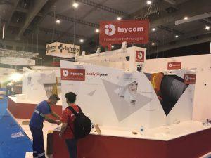 El stand de Inycom, casi preparado, para Expoquimia