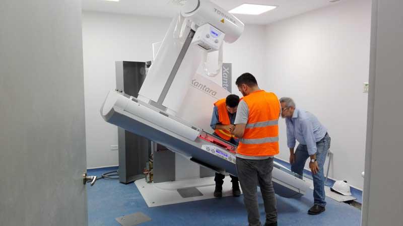 instalacion-equipos-proyecto-hospital-ecuador-area-service-laboratorio-diagnostico
